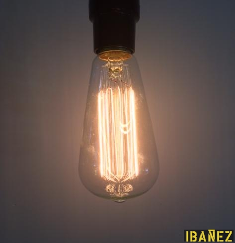 Bombilla forma de pera transparente - Lampara con forma de bombilla ...